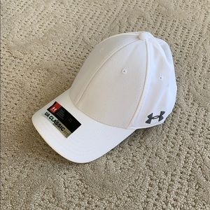 NWT Under Armour Mens (M) hat